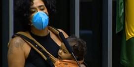 Braziliaans Kamerlid geeft borstvoeding tijdens toespraak