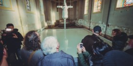 Ultra-katholieken veroordeeld voor vernieling Holy cow
