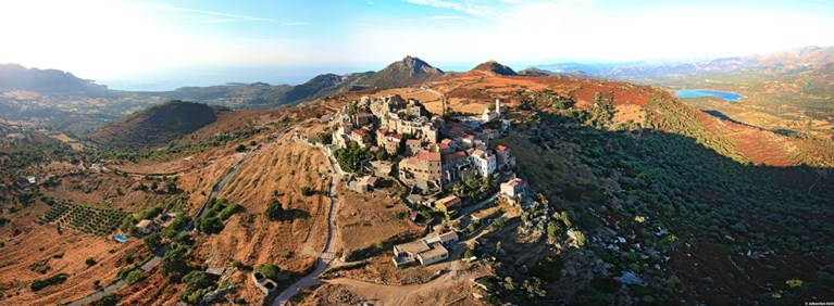 Duizelingwekkend mooi: ontdek de mooiste dorpjes van Corsica