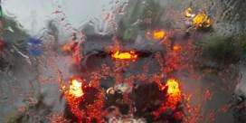 Ondergelopen kelders en woningbrand na onweer