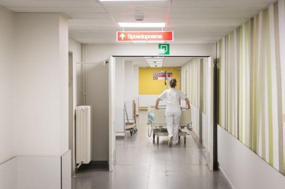 Aantal coronapatiënten in ziekenhuizen neemt verder af