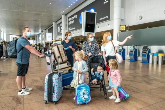 'Praktisch heel moeilijk om alle passagiers op coronapaspoort te controleren'