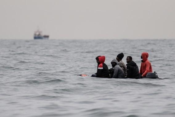 Franse autoriteiten redden meer dan 100 migranten in het Kanaal