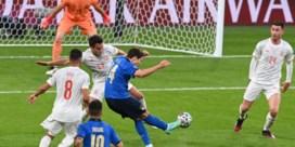Zwak Italië ontsnapt na penaltythriller