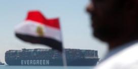 Babyboekjes, sokken, zonnepanelen en noedels verlaten (eindelijk) Suezkanaal