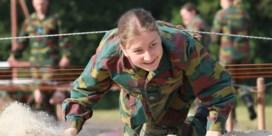 Prinses Elisabeth rondt militaire opleiding af met kamp
