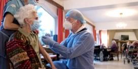 Verplichting vaccinatie voor zorgpersoneel weer op tafel, maar nog veel obstakels