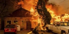 Extreme hitte in westen van VS: vuurtornado's en recordtemperaturen boven de 50 graden