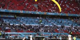 Duitse politie overwoog parachutist in Allianz Arena neer te schieten