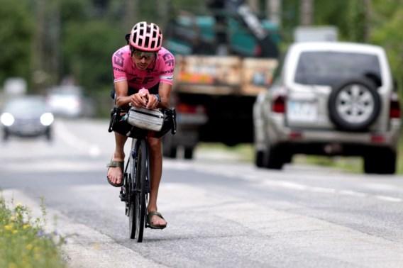 Australische profrenner rijdt alternatieve Tour de France uit op sandalen