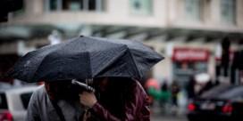 Enorme hoeveelheden neerslag op komst: 'Niet het moment om te kamperen'