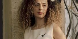 De vrouw die Iran angst aanjaagt met haar haren
