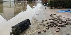 Inwoners Voeren getuigen: 'Garagepoort vloog eruit door waterdruk'
