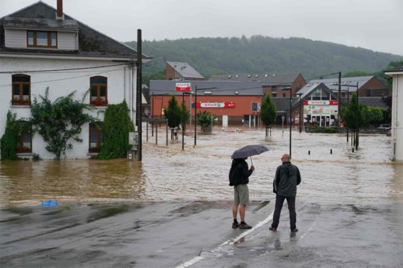 Professor hydrologie: 'Moeten accepteren dat we tegen zulke extreme regenval weinig kunnen doen'