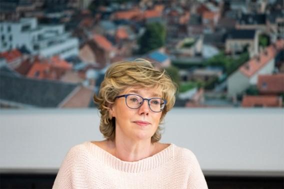 Veerle Heeren is weer burgemeester: 'Ik respecteer het onderzoek van Audit Vlaanderen'