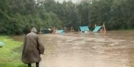 Tientallen jeugdkampen geëvacueerd door wateroverlast
