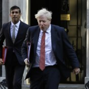 Britse premier toch in quarantaine na felle kritiek
