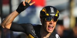 Wout Van Aert wint massasprint op Champs-Elysées