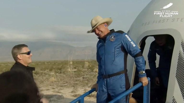 Geslaagde eerste ruimtereis voor Jeff Bezos