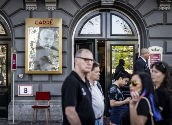 Honderden mensen bij uitvaart Peter R. de Vries in Carré in Amsterdam