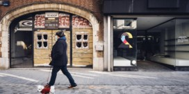 Corona slaat gaten in winkelstraten