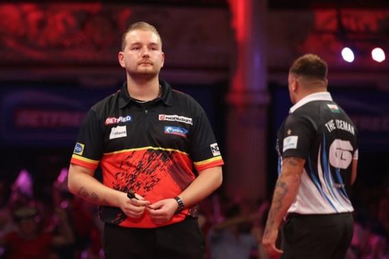 Dimitri Van den Bergh klopt wereldkampioen darts en staat in halve finales