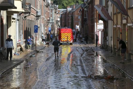 Namen maakt zich op voor nieuwe voorspelde regen, tentenkampen in risicogebied moeten evacueren