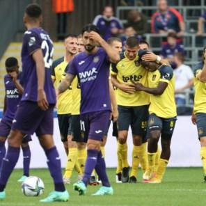 Union straft defensieve blunders Anderlecht genadeloos af in Brusselse derby