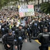 Honderdduizenden Fransen protesteren tegen 'pass sanitaire', politie treedt hard op