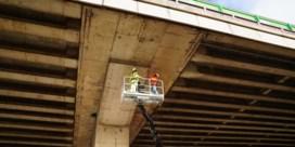 Al meer dan 700 'brokkelbruggen' in Vlaanderen