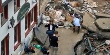 Duitse journaliste geschorst na insmeren met modder in rampgebied