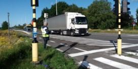 500 vrachtwagens per uur door Drongen