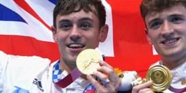 Tom Daley emotioneel na overwinning: 'Ik ben een homoseksuele man en een olympisch kampioen'