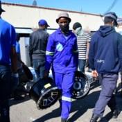 Zelfs de plunderaars worden geplunderd in Durban