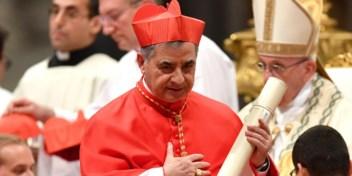 Vaticaans corruptieproces plaatst kardinaal in beklaagdenbank