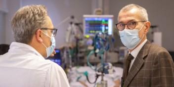 Vandenbroucke wil weten wie zich (niet) liet vaccineren in de zorg, verplichte vaccinatie is 'plan B'