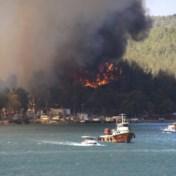 Toeristen in zuiden van Turkije geëvacueerd wegens bosbranden