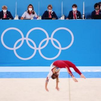 Turnen in een badpak, of hoe mannen vrouwen graag zien sporten
