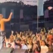 Optreden in Leuven stilgelegd wanneer concertgangers podium beklimmen