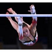 Goud! Nina Derwael kroont zich tot olympisch kampioene op brug met ongelijke leggers