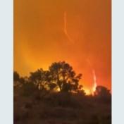 Uitzonderlijke vuurtornado bij bosbranden gespot