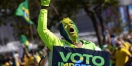 Bolsonaro gaat Trump-toer op en ziet overal kiesfraude