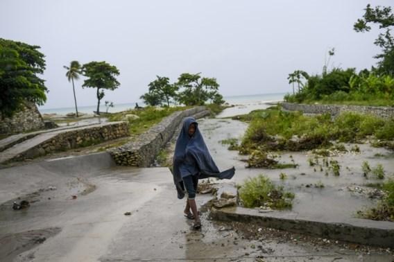 Tropische storm maakt gevolgen aardbeving erger