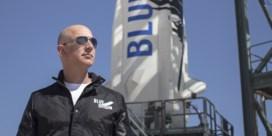 Spacerace brengt Bezos van de ruimte naar de rechtszaal