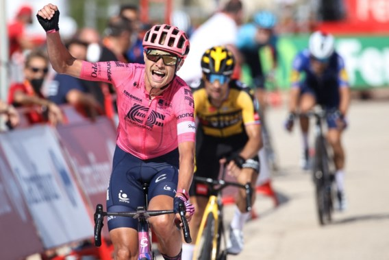 Magnus Cort Nielsen wint spectaculaire zesde Vuelta-etappe
