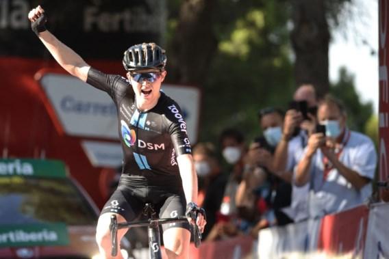 Michael Storer troeft iedereen af in prachtige bergetappe Vuelta