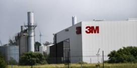 Grote groep inspecteurs valt binnen bij chemiebedrijf 3M in Zwijndrecht