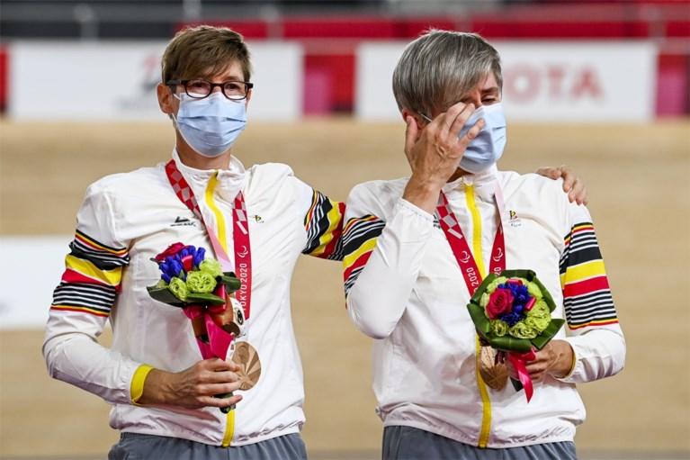 Eerste Belgische medaille op Paralympische Spelen: pistiers Griet Hoet en Anneleen Monsieur veroveren brons op de 1.000 meter