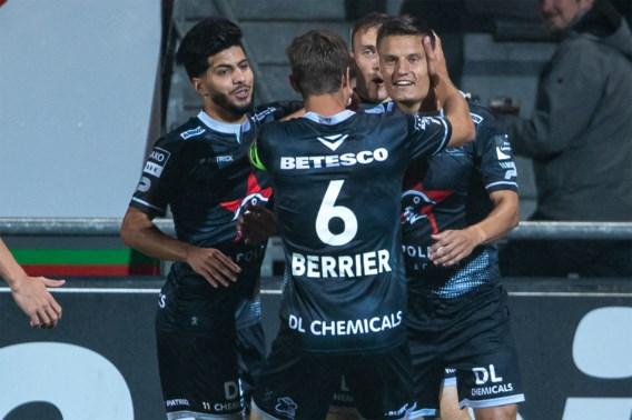 Jelle Vossen trapt Zulte Waregem met twee goals voorbij KV Oostende