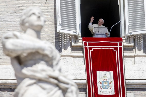 Paus aanvaardt ontslag pauselijke nuntius in ons land